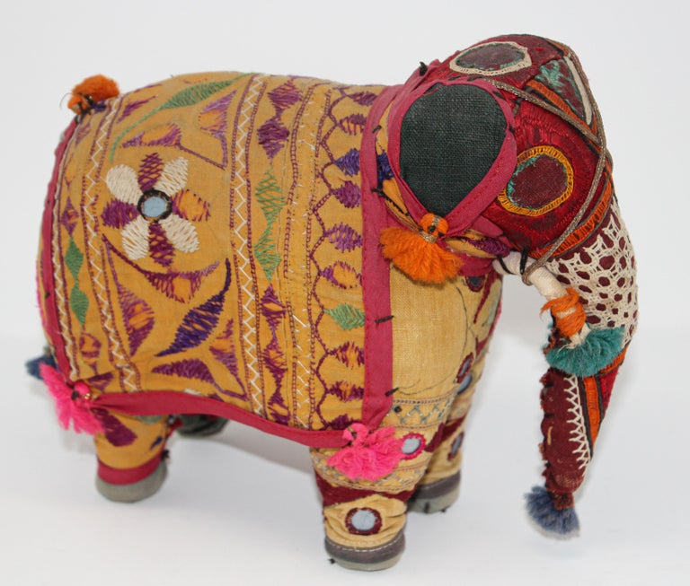 Hand-Crafted Anglo Raj Vintage Stuffed Cotton Embroidered Elephant, India 1950 For Sale 4
