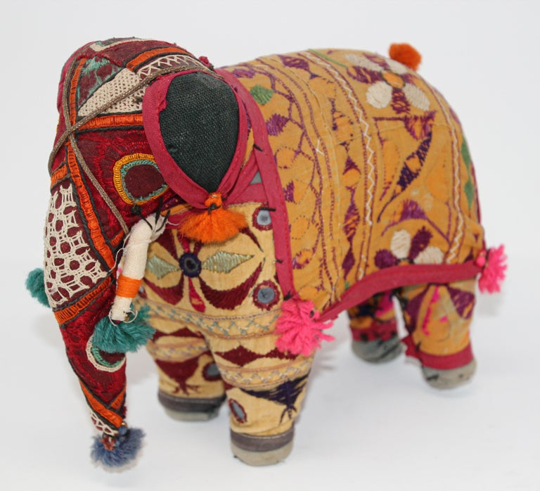 Hand-Crafted Anglo Raj Vintage Stuffed Cotton Embroidered Elephant, India 1950 For Sale 6