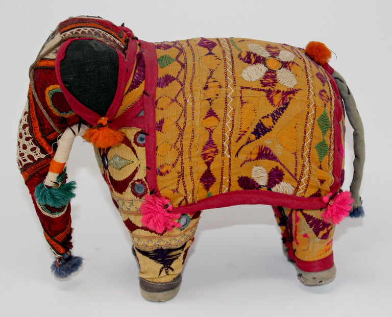 Hand-Crafted Anglo Raj Vintage Stuffed Cotton Embroidered Elephant, India 1950 For Sale 7