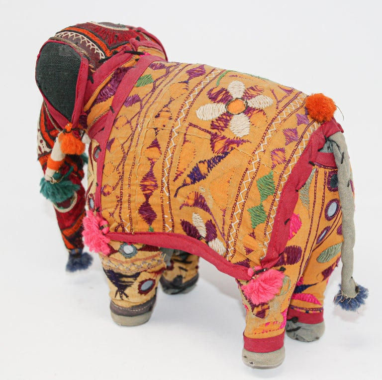 Hand-Crafted Anglo Raj Vintage Stuffed Cotton Embroidered Elephant, India 1950 For Sale 8