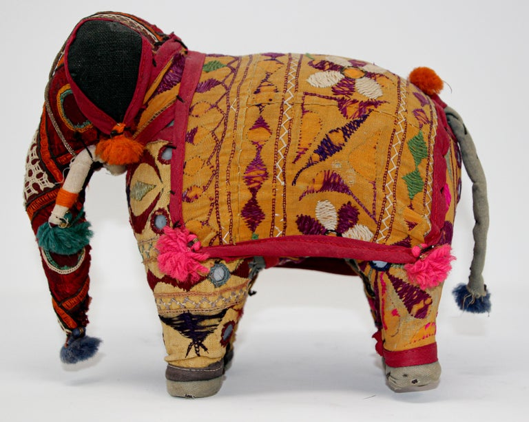Hand-Crafted Anglo Raj Vintage Stuffed Cotton Embroidered Elephant, India 1950 For Sale 11