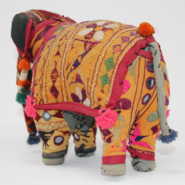 Hand-Crafted Anglo Raj Vintage Stuffed Cotton Embroidered Elephant, India 1950 For Sale 13