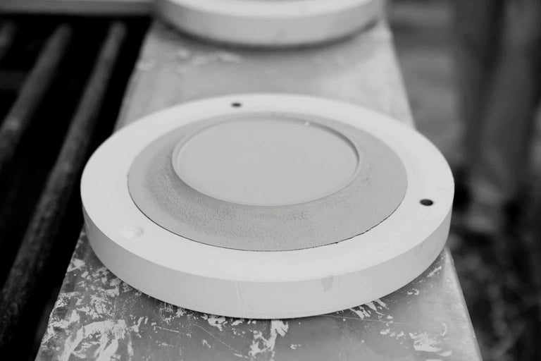 British Handcrafted Creamware Medium Plate with Minimilistic Design For Sale