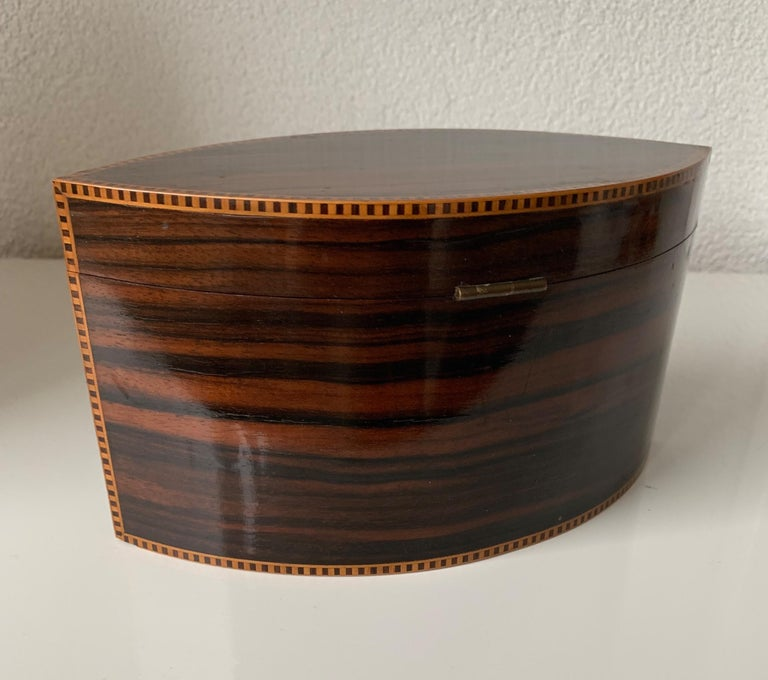 Handcrafted, Top Quality and Stunning Shape Art Deco Mahogany and Macassar Box For Sale 5