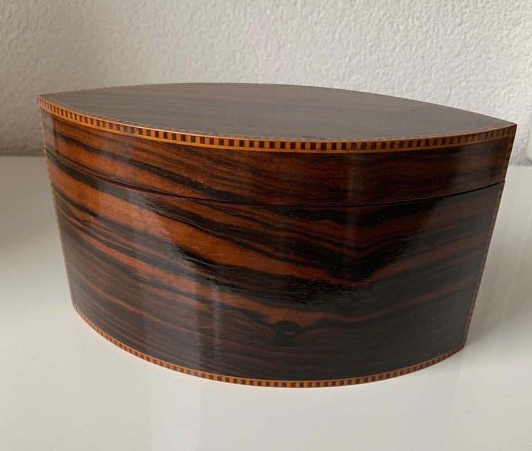 Handcrafted, Top Quality and Stunning Shape Art Deco Mahogany and Macassar Box For Sale 8