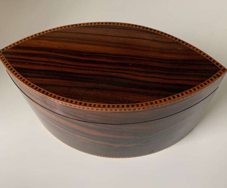 Handcrafted, Top Quality and Stunning Shape Art Deco Mahogany and Macassar Box For Sale 9