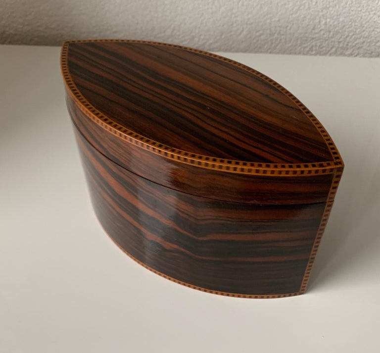 Handcrafted, Top Quality and Stunning Shape Art Deco Mahogany and Macassar Box For Sale 10