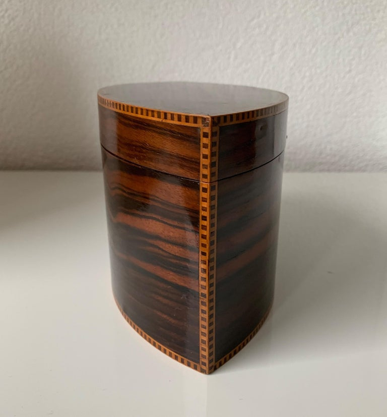 20th Century Handcrafted, Top Quality and Stunning Shape Art Deco Mahogany and Macassar Box For Sale