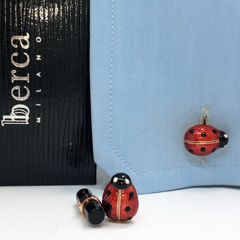 Hand Enameled Ladybug Shaped Onyx Baton Back Rose Gold Cufflinks In New Condition For Sale In Valenza, IT