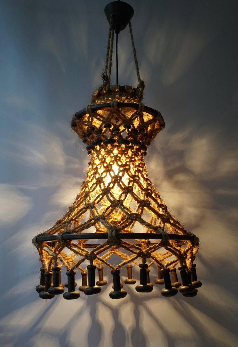 Hand Knotted Chandelier with Natural Rope and Wood In Good Condition For Sale In Antwerp, BE