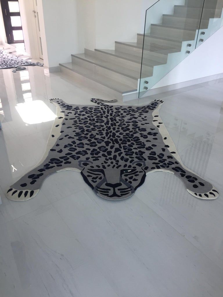 Hand Knotted Leopard New Zealand Wool Rug by Cecilia Setterdahl for Carpets CC In New Condition For Sale In Dubai, AE