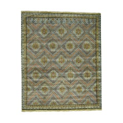 Hand Knotted Qashqai Design Wool and Silk Oriental Rug