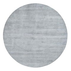 Hand-Knotted Round Wool and Silk Grass Design Oriental Rug