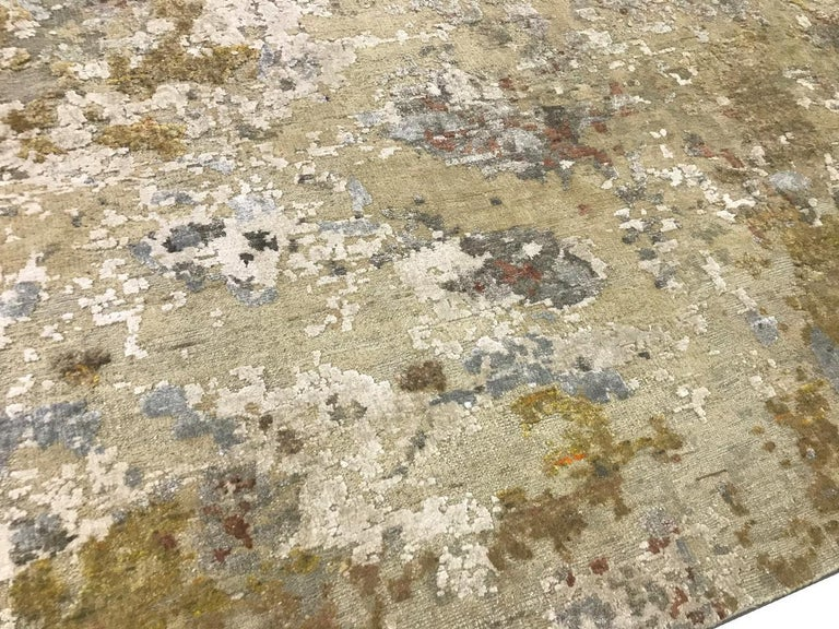 Indian Gold Copper Rust Peach Beige Grey Hi-Low Hand-knotted Wool and Silk Rug in Stock For Sale