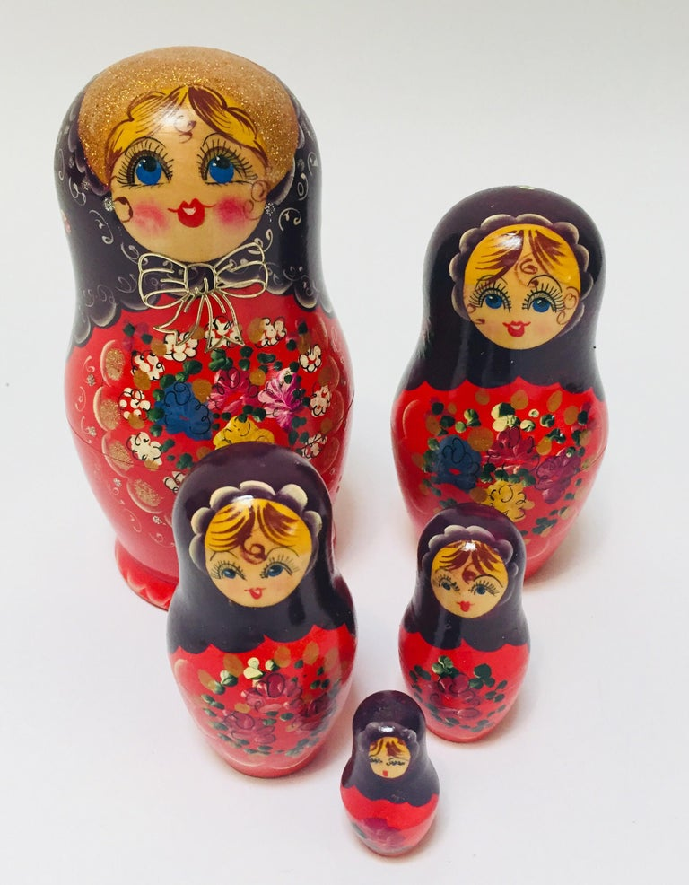 Hand Painted and Carved Nesting Matryoshka Russian Dolls For Sale 3