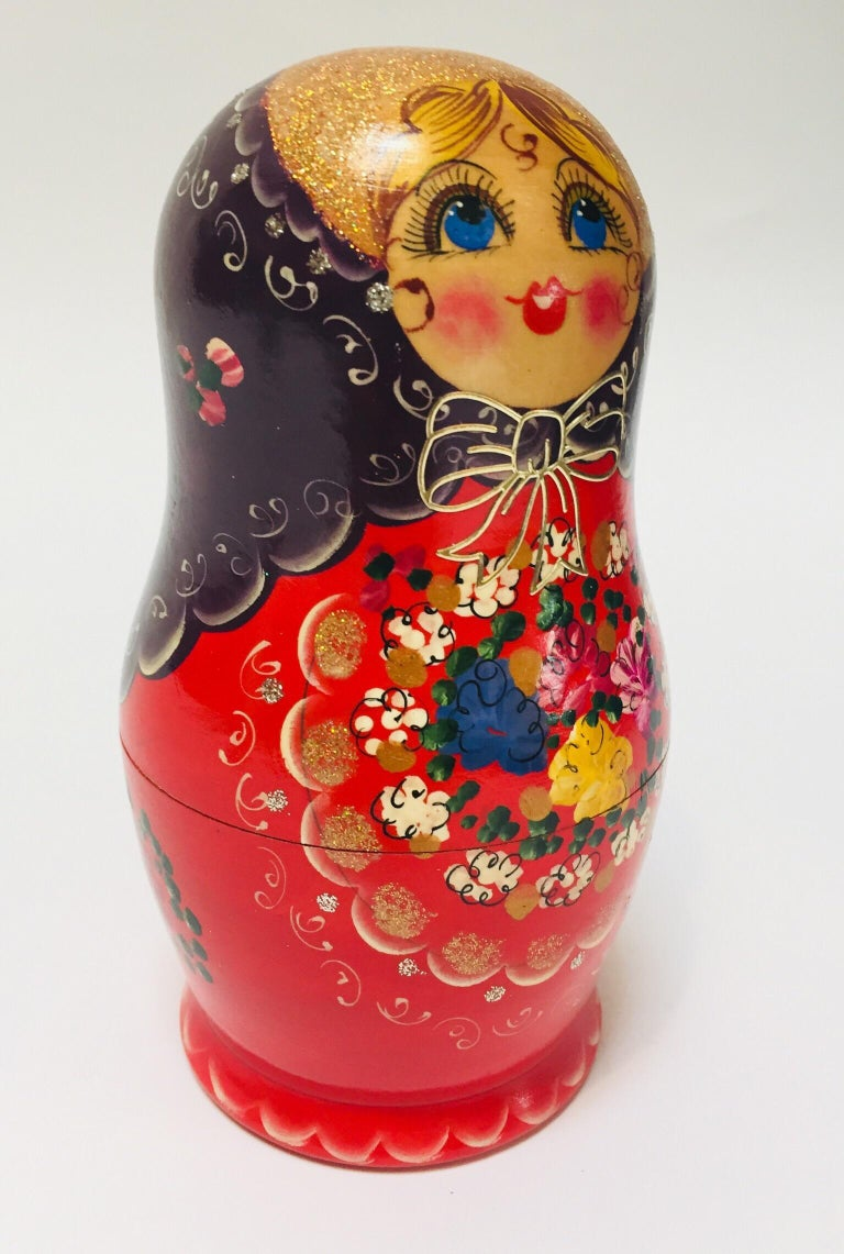 Hand Painted and Carved Nesting Matryoshka Russian Dolls For Sale 1