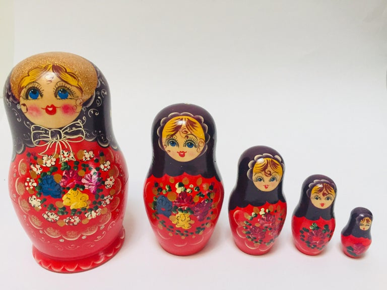 Hand Painted and Carved Nesting Matryoshka Russian Dolls For Sale 2