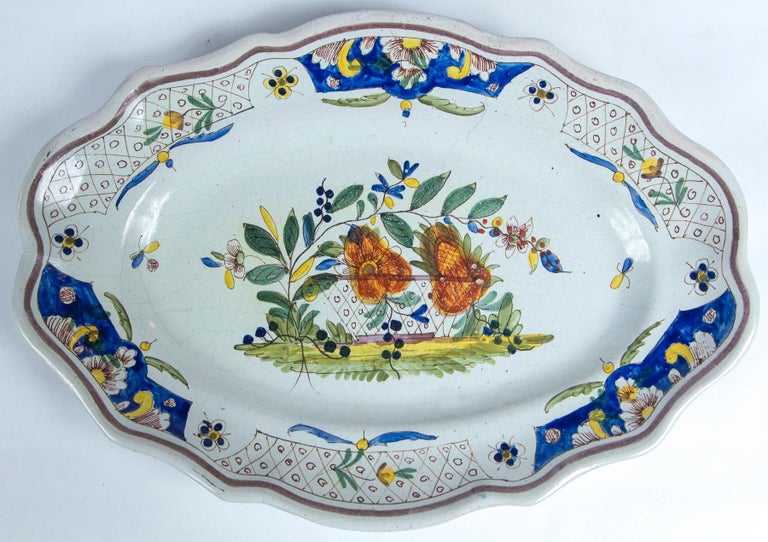 Hand-Painted Hand Painted French Faience Platter, Early 19th Century For Sale