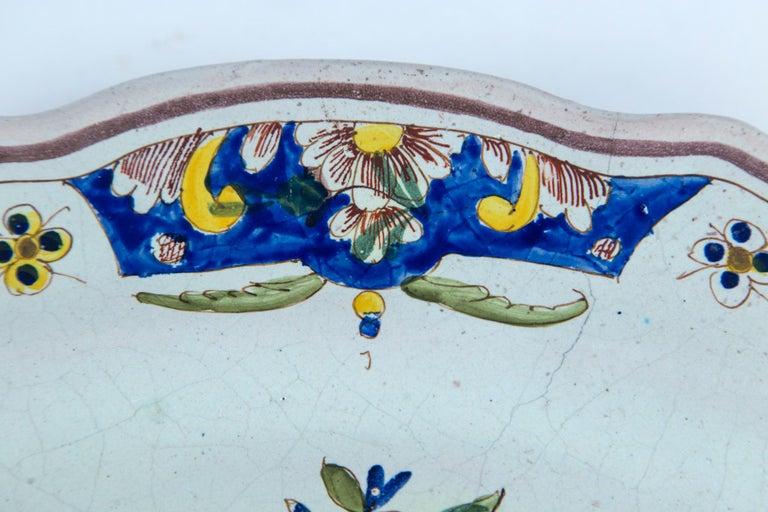 Hand Painted French Faience Platter, Early 19th Century For Sale 4