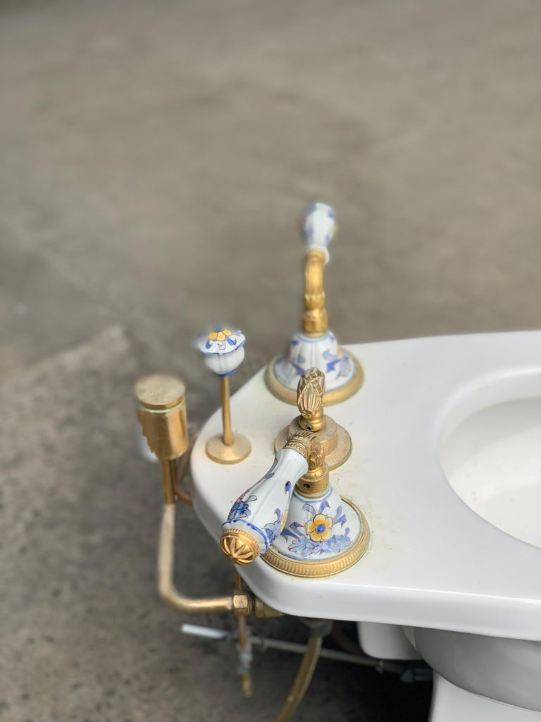 Gold Hand Painted Sherle Wagner Porcelain Chinoiserie 'Blue Mum' Bidet Water Closet For Sale
