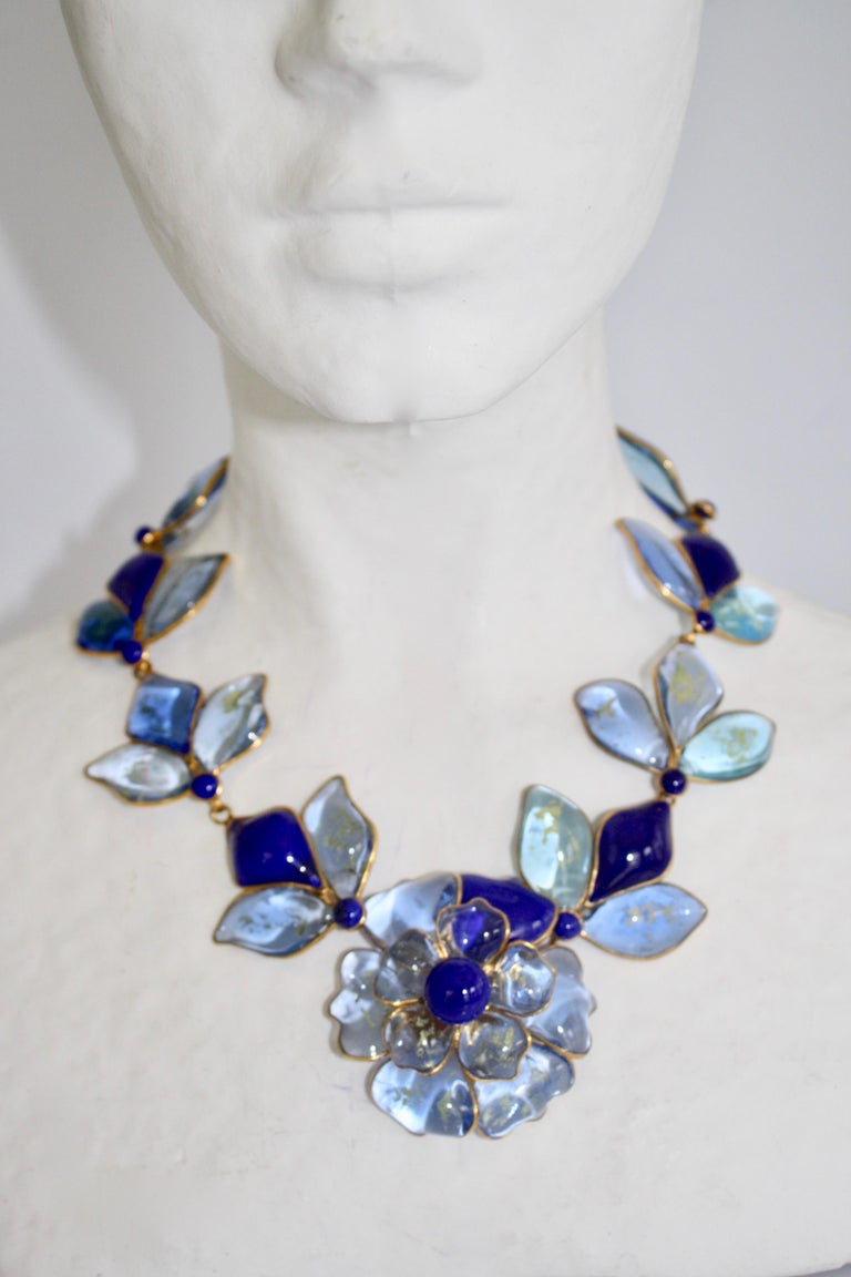 Women's Hand Poured Glass Blue Floral Necklace For Sale