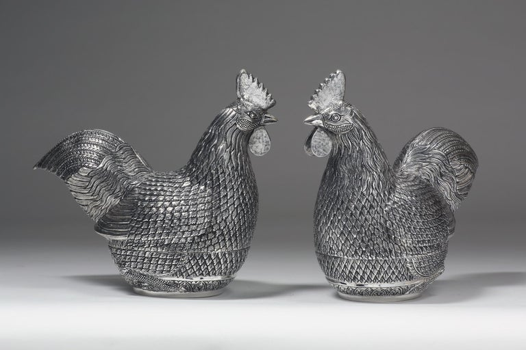 Hong Kong Hand-Worked Contemporary Solid Silver Rooster Box For Sale