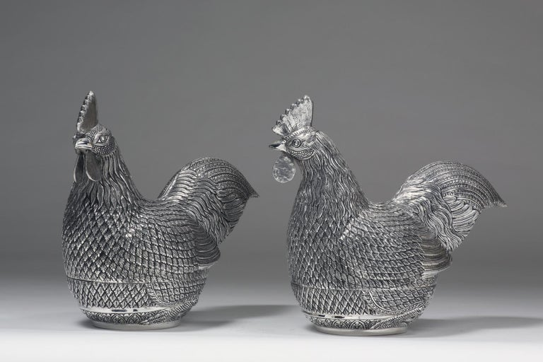 Hand-Crafted Hand-Worked Contemporary Solid Silver Rooster Box For Sale