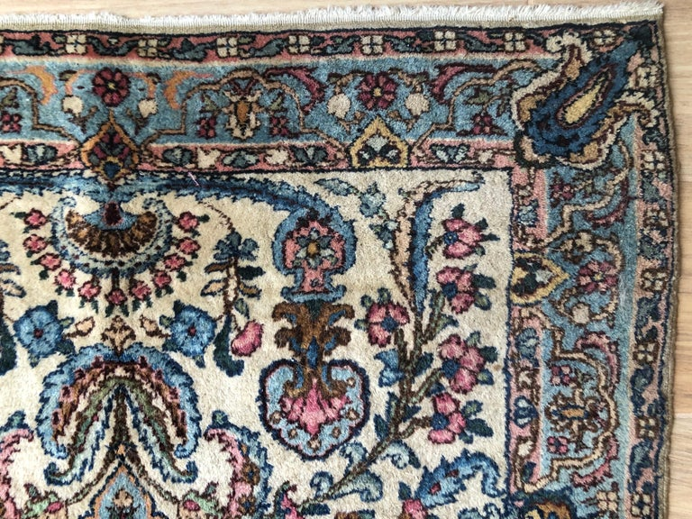 Handwoven Square Fine Wool Persian Rug In Good Condition For Sale In Delray Beach, FL