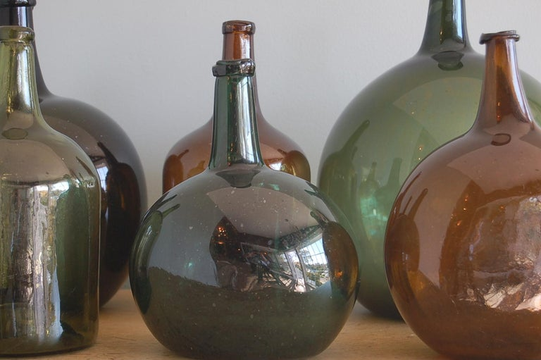 Handblown 19th Century Green Glass Bottle with Cork, Origin Sweden, circa 1890 In Excellent Condition For Sale In New York, NY