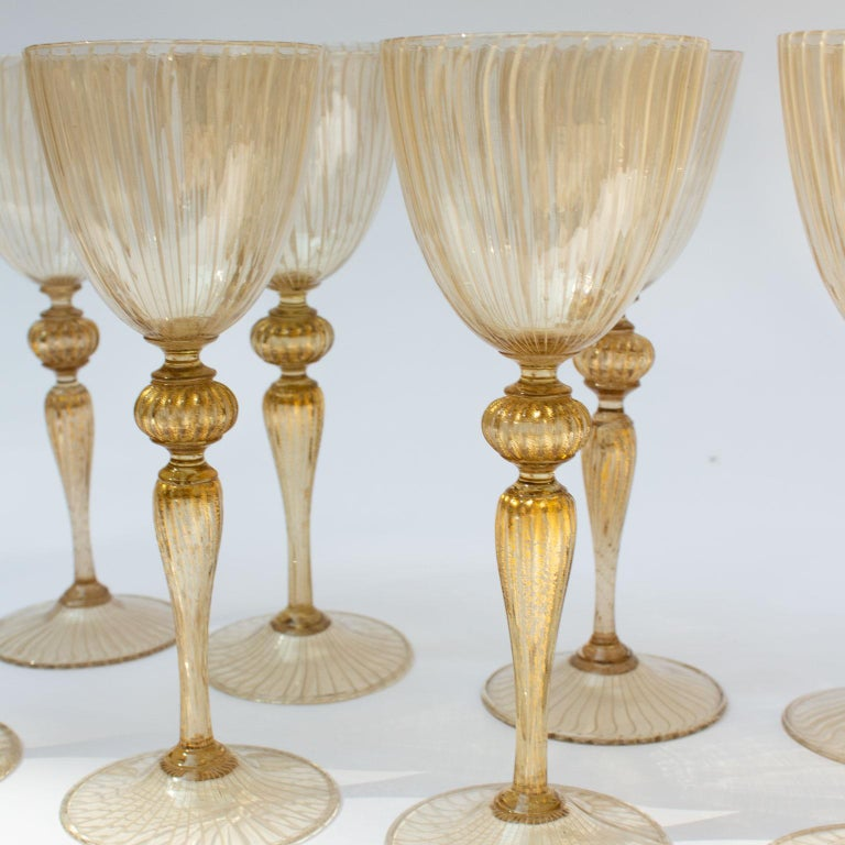 Handblown Murano Stemware Service in Lattice Pattern for Eight Persons For Sale 3