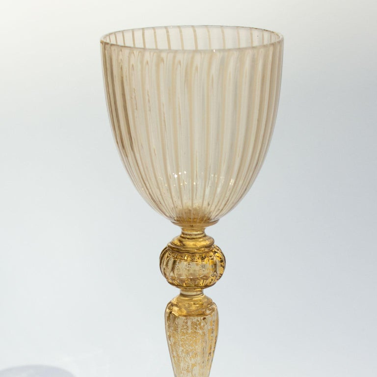 Handblown Murano Stemware Service in Lattice Pattern for Eight Persons For Sale 4