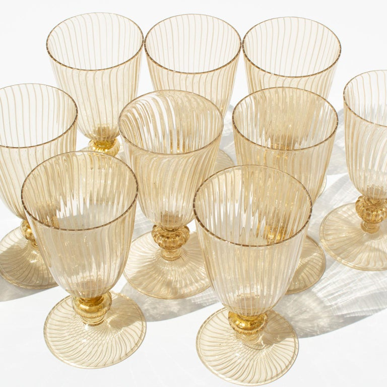 Handblown Murano Stemware Service in Lattice Pattern for Eight Persons For Sale 6