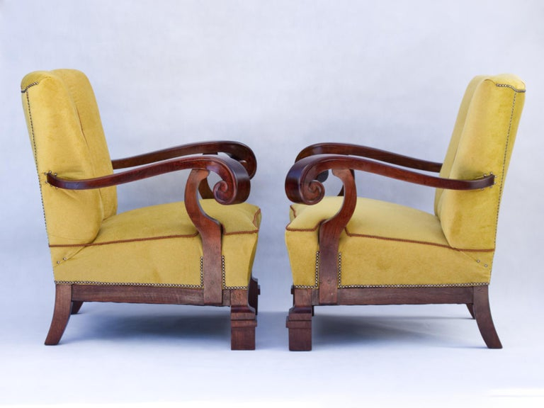 Hand Carved Walnut Art Nouveau Armchairs, circa 1920 For Sale 2