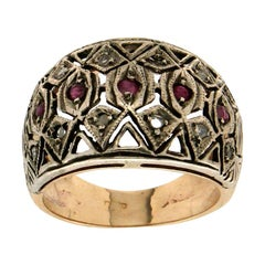 Handcraft 14 Karat Yellow Gold Ruby and Diamonds Cocktail Ring