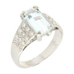 Handcraft 18 Karat White Gold Diamonds and Natural Aquamarine Ring