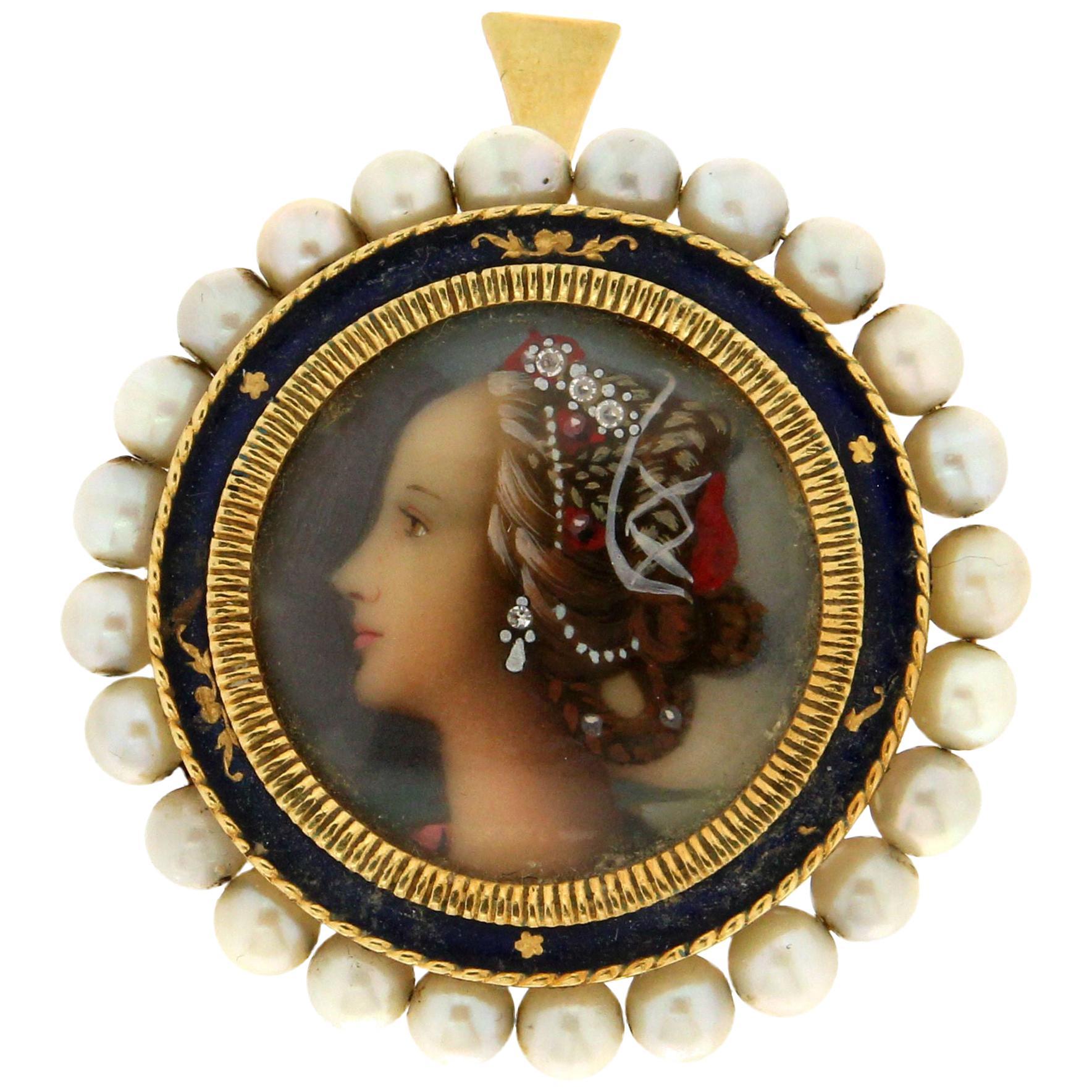 Handcraft 18 Karat Yellow Gold Pearls Brooch Pendant