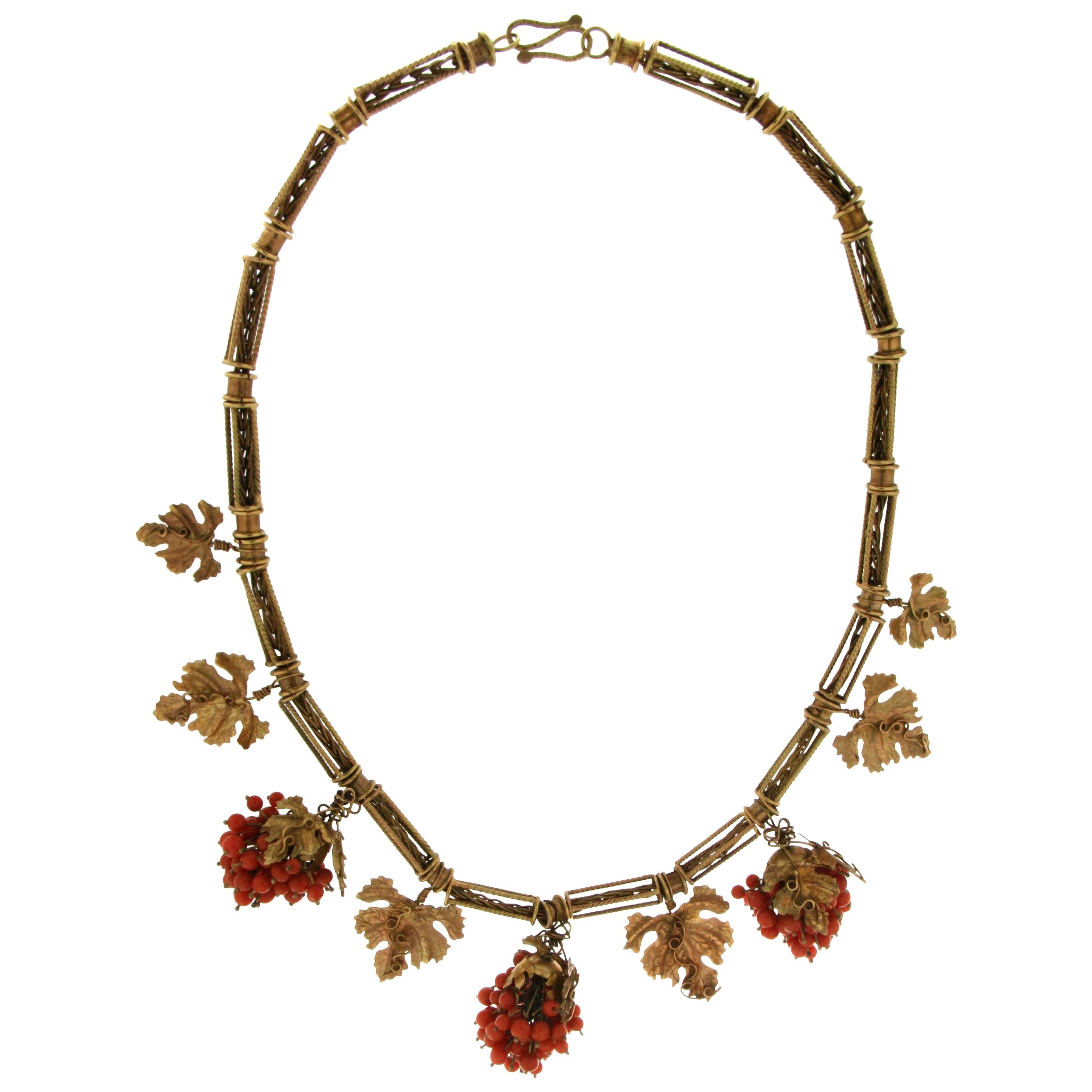 Handcraft 9 Karat Yellow Gold Coral Choker Necklace