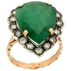 Handcraft Brazilian Emerald 14 Karat Yellow Gold Diamonds Cocktail Ring