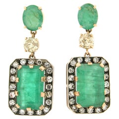 Handcraft Brazilian Emerald 14 Karat Yellow Gold Diamonds Drop Earrings