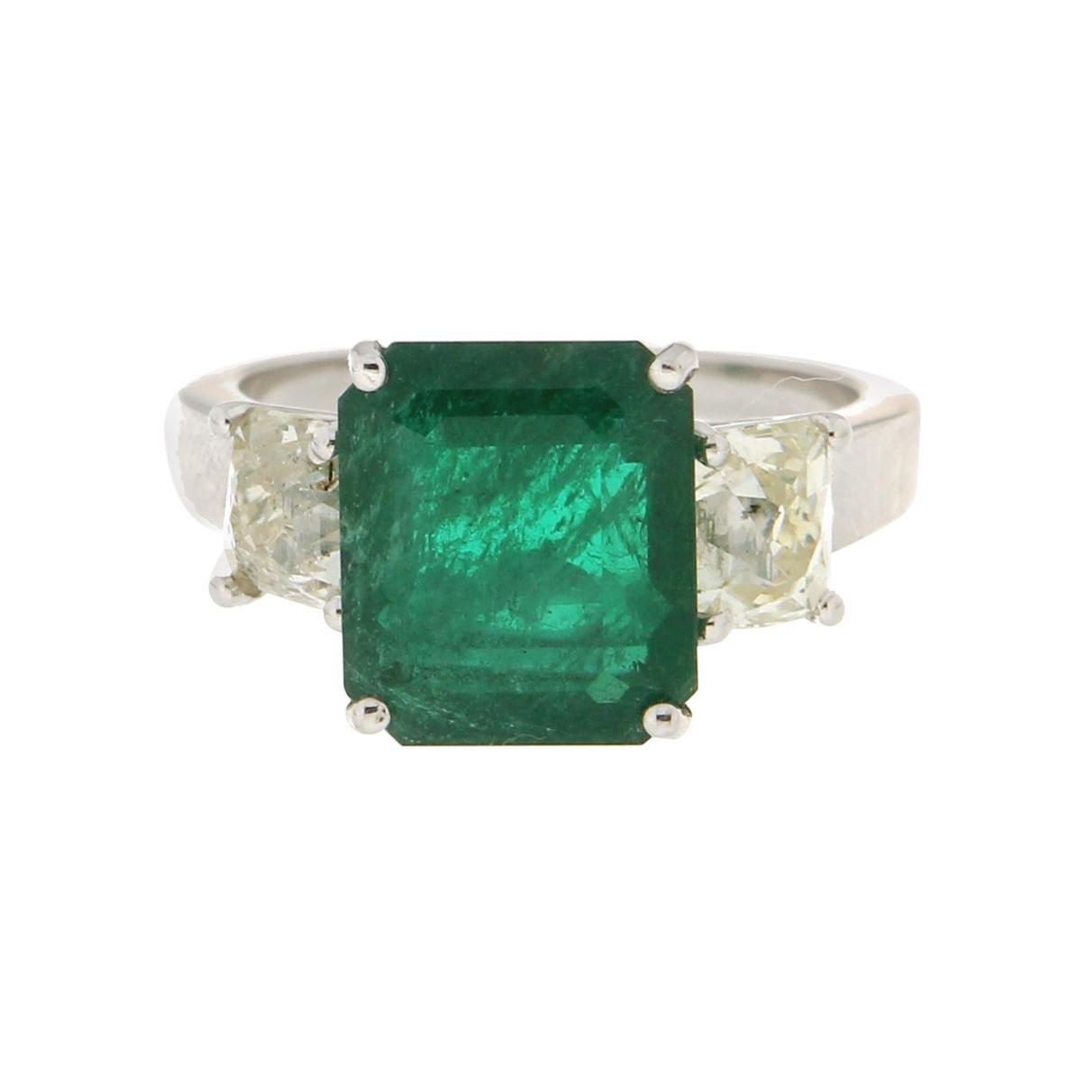 Handcraft Colombian Emerald 18 Karat White Gold Diamonds Engagement Ring