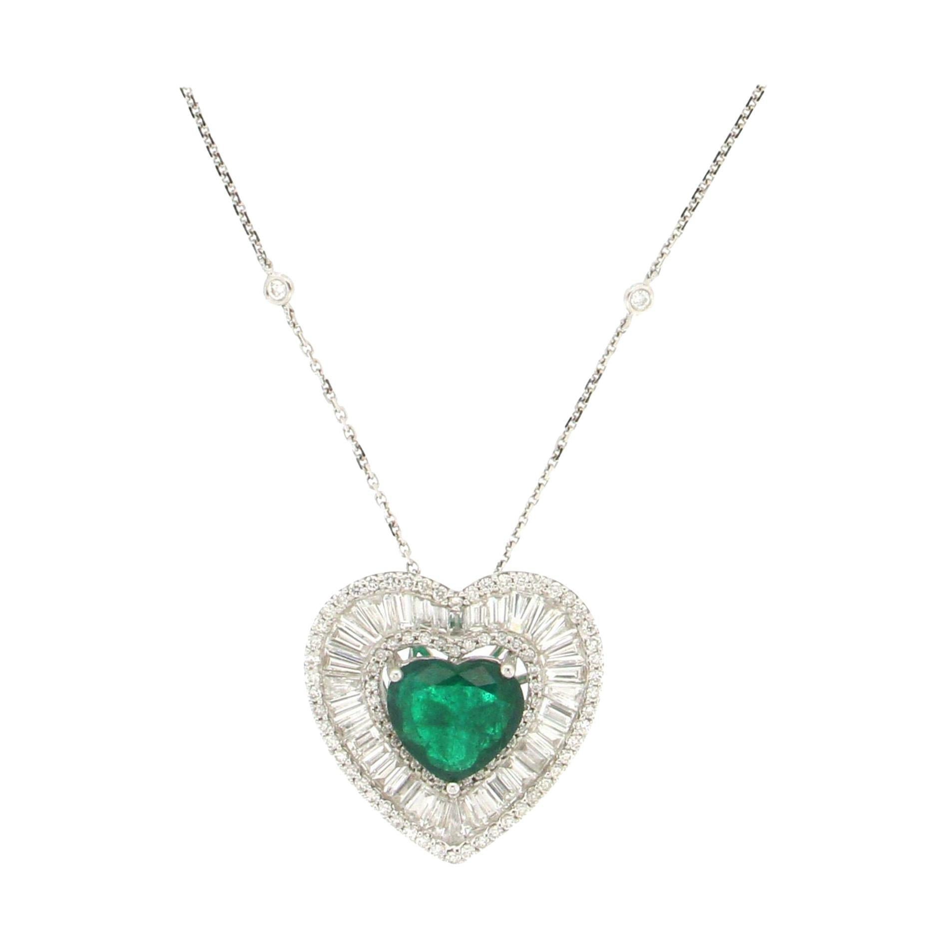 Handcraft Brazilian Emerald Heart 18 Karat White Gold Diamonds Pendant Necklace