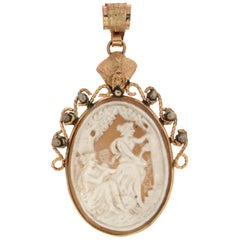 Handcraft Cameo 9 Karat Yellow Gold Pendant Necklace