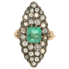 Handcraft Colombian Emerald 14 Karat Yellow Gold Old Diamonds Cocktail Ring