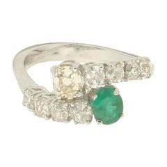 Handcraft Colombian Emerald 18 Karat White Gold Diamonds Cocktail Ring