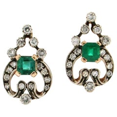 Handcraft Colombian Emeralds 14 Karat Yellow Gold Diamonds Drop Earrings