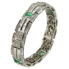 Handcraft Colombian Emeralds 18 Karat White Gold Baguette Diamonds Cuff Bracelet