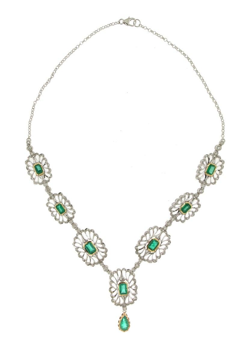 Artisan Handcraft Colombian Emeralds 18 Karat White Gold Diamonds Drop Necklace For Sale
