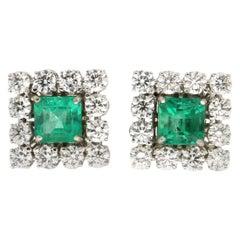 Handcraft Colombian Emeralds 18 Karat White Gold Diamonds Stud Earrings