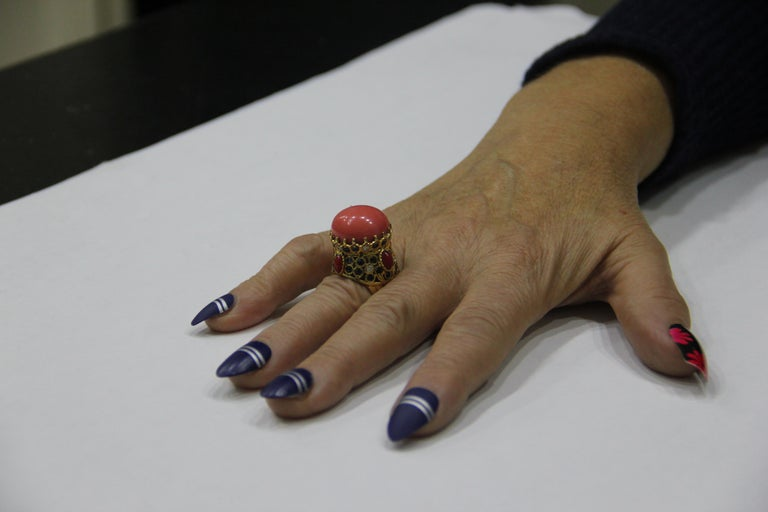 Handcraft Coral 14 Karat Yellow Gold Sapphires Diamonds Cocktail Ring For Sale 8