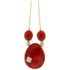 Handcraft Coral 18 Karat Yellow Gold Pendant Necklace